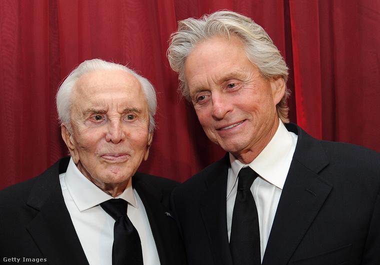 Kirk Dougles (balra) 100 éves lett.