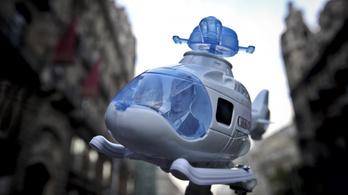 Meghétszerezte nyereségét a Rogán Antalt helikoptereztető cég