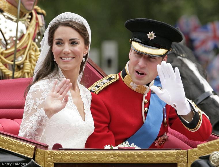 Ha már itt tartunk: 24,5 millió brit, világszinten pedig két milliárd ember követte figyelemmel az esküvőt, ahol Vilmos herceg feleségül vette Kate Middletont 2011 áprilisában.
