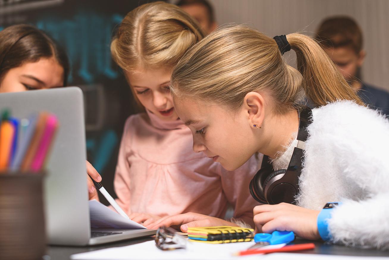 lanyok-laptop