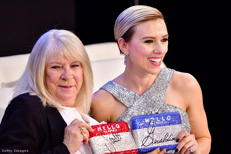 Scarlett Johansson végre elment bulizni a nagymama korú hasonmásával