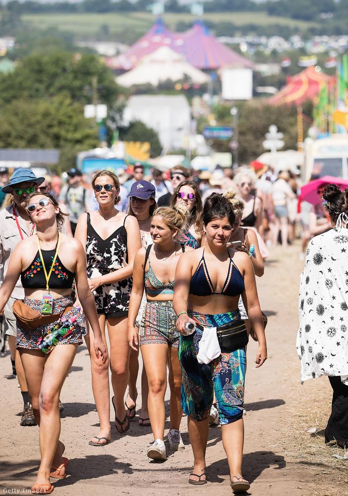 A fesztivál kezdetét, mint láthatják, kellemesebb időjárási viszonyok jellemezték.