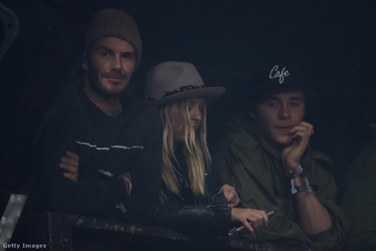 David Beckham és fia, Brooklyn a Foo Fighters koncertre vártak.Ezek szerint rajongók