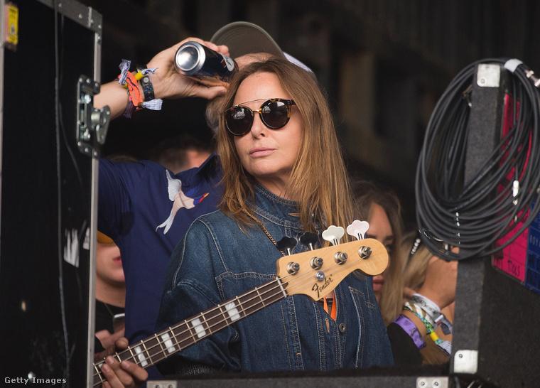 Paul McCartney lánya, Stella a Royal Blood koncerten, a backstageben élvezte a zenét
