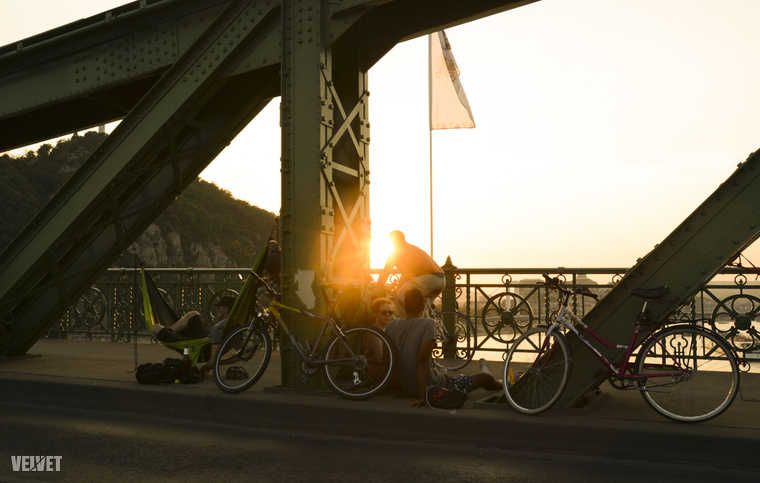 Egyszerűen csak élvezze, hogy még egy szuper helyről bámulhatja a Dunát és a csodás Budapestet!