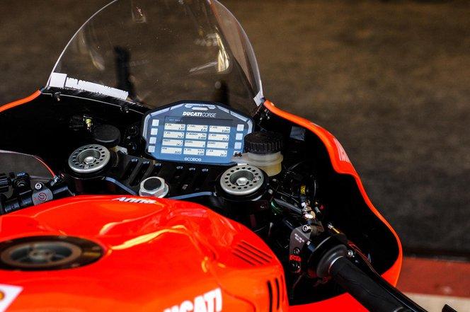 A Ducati Desmosedici GP13 műszerfala