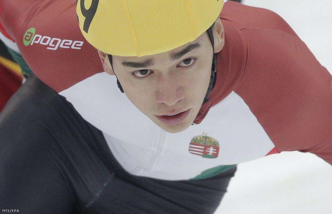 Liu Shaolin Sándor a moszkvai rövidpályás gyorskorcsolya-világbajnokság férfi 3000 méteres szuperdöntőjében 2015. március 15-én.