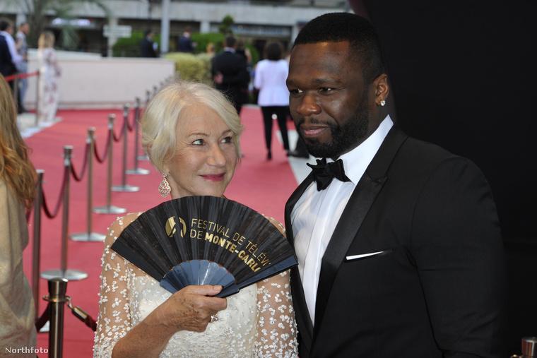 Azért máshol is történtek érdekfeszítő események: kiderült például, hogy 50 Cent teljesen rá van indulva az ismert angol színésznőre, Helen Mirrenre