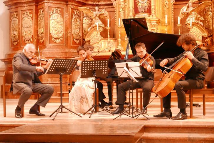 Dvořák Zongoraötöse Patrice Fontanarosa, Michel Bourdoncle és a Trio Goldberg előadásában