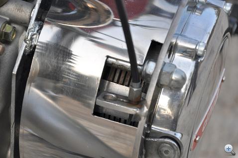 Honda CX-ből származik a kuplung
