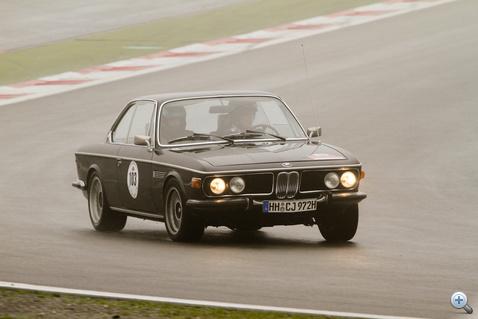Jürgenek egymás közt. A BMW 3.0 CS-sel a 7. helyen végeztek (788 pont). Nagyon gyorsan közlekedtek, de minden szabályt betartottak.
