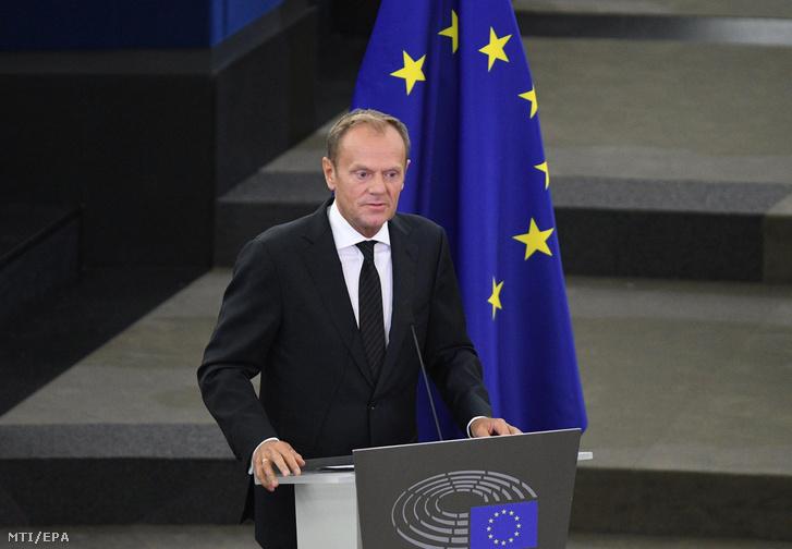 Donald Tusk az Európai Tanács elnöke búcsúbeszédet mond Helmut Kohl egykori német kancellár gyászszertartásán.