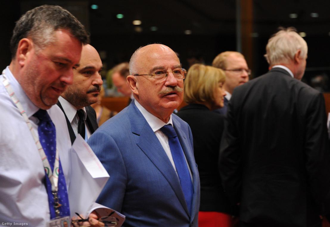 Martonyi János az EU külügyminisztereinek brüsszeli tanácskozásán, 2014. március 17-én, amikor Oroszország krími agressziója miatti szankciókról egyeztettek az európai szakpolitikusok