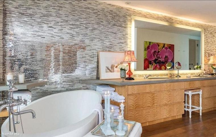 Íme Pamela Anderson házának fürdőszobája.
