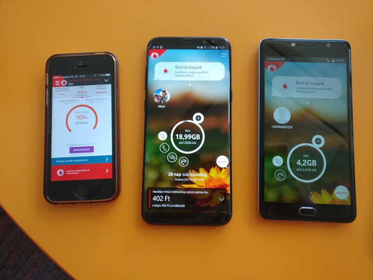 Balra a régi app, a másik két mobilon már az új fut