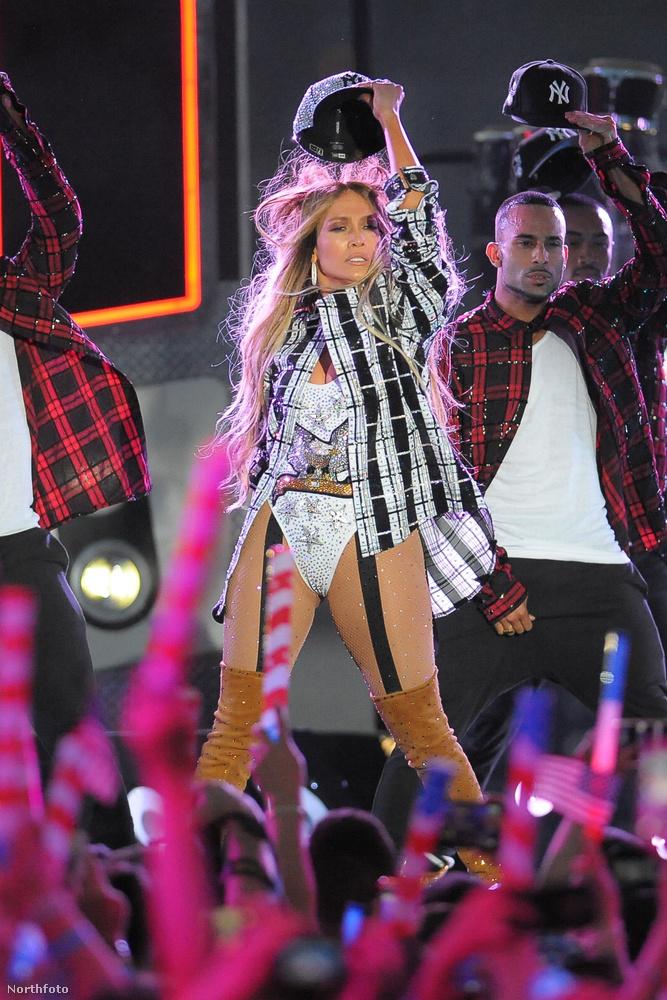Az énekesnő csak néhány dalt énekelt el a tévéfelvételen, köztük egy új számot is