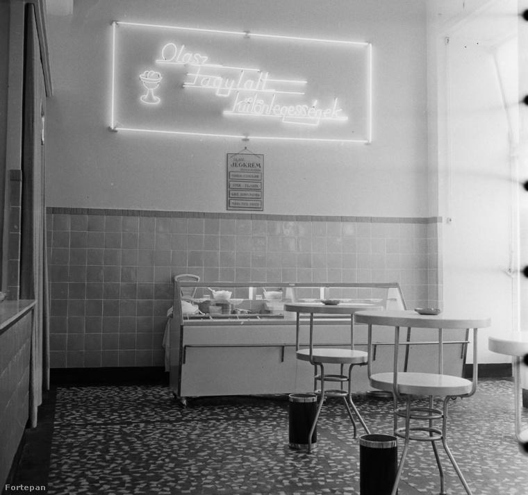 """""""Modern"""" enteriőr a rákóczi utcai Mackó büfében 1959-ből."""
