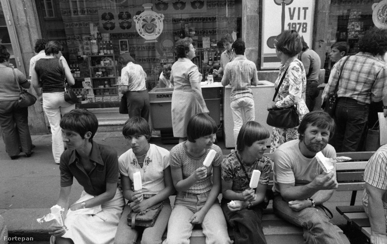A 70-es évek után az emberek vagy nem ettek több fagyit, vagy nem hagyták magukat fotózni közben