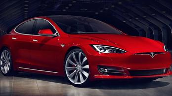 Az idén jön a felújított Tesla Model S?