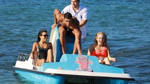 Beütött a nyár a hírességeknél: melyikükkel vakációzna?