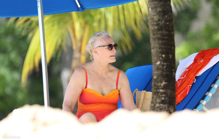 A 70 éves színésznő szemmel láthatóan élvezte a karibi kikapcsolódást.