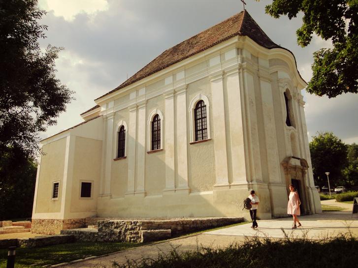 A veszprémvölgyi jezsuita templom