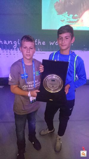 Osgyán András és Yaakobishvili Antal az egyhetes focitorna végén