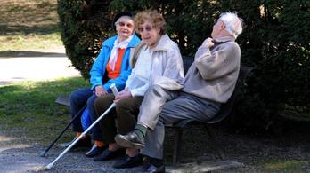 2,7 százalékkal emelkednek a nyugdíjak januártól
