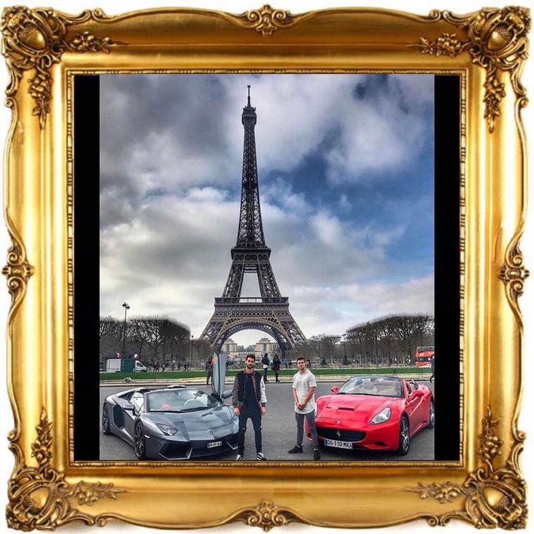 Ha pedig már úgy alakul, hogy az ember olyan, pórnép számára is elérhető, helyre utazik, mint Párizs, akkor meg kell adni a módját az Eiffel-tornyos fotózkodásnak