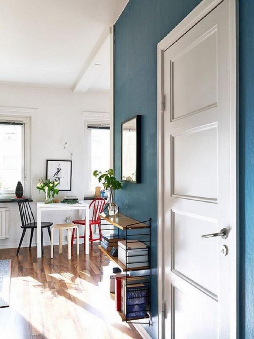 A bejárati ajtón belépve rögtön szembetűnik a fényes tér és a praktikum.