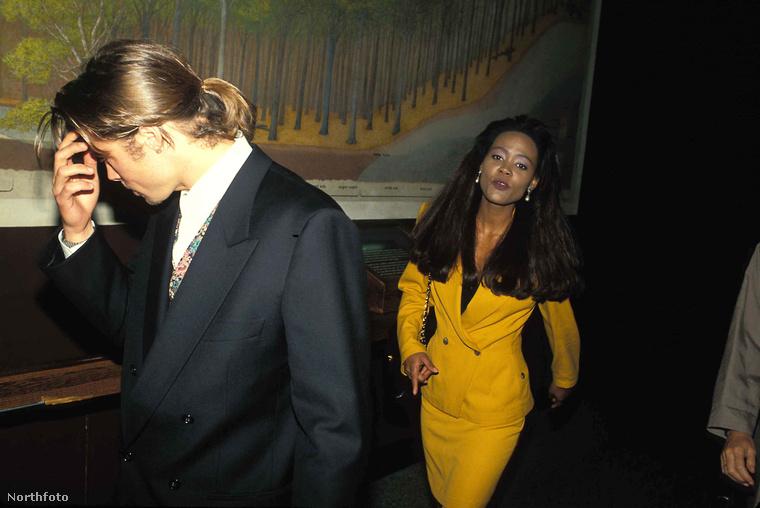 Robin GivensA Head of the Class című sitcomban ismerkedtek meg.A kapcsolat rövid idei tartott, mivel Givens akkori férje, Mike Tyson rajtakapta őket és megfenyegette a színészt, hogy megöli.