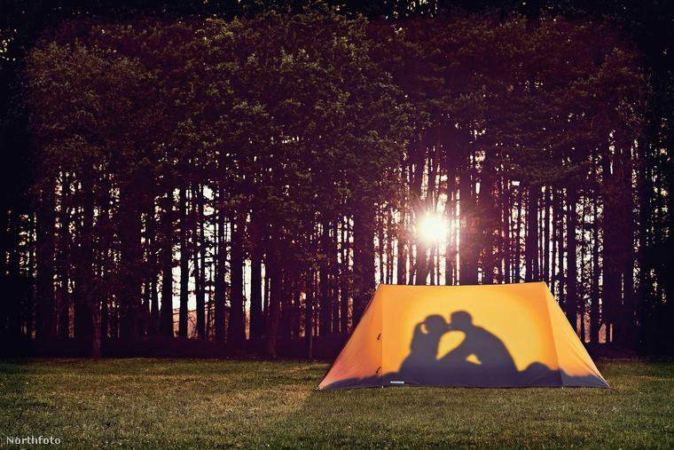 Unja már az egyszínű, zöld, kék, barna sátrakat? Sőt! Kimondottan dühíti, amikor egy fesztiválon tucatnyi ugyanolyan színű, méretű és formájú sátor között kell megtalálnia a sajátját? Ha igen, akkor van egy jó hírünk.