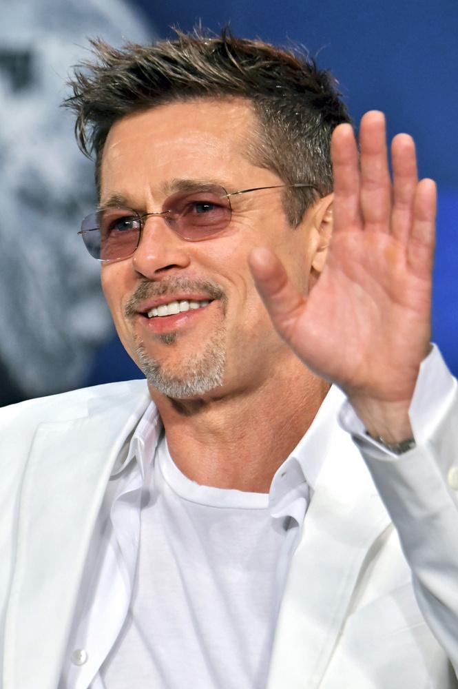 Egy nagyon elcsépelt közhellyel élve Brad Pitt igazi playboy, elfogyasztott már egy életre is elég barátnőt és feleséget.De pontosan mennyit?A Flipboard összegyűjtötte a legismertebb és legtöbbet pletykált nőket, akik megfordultak a színész életében