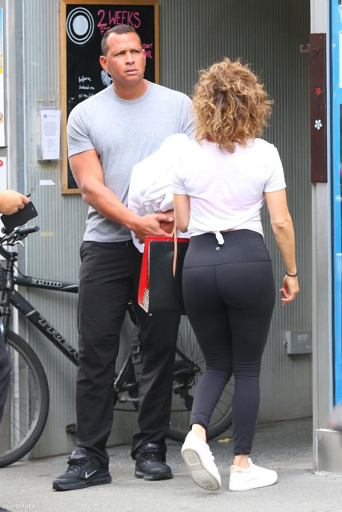 Bár vannak, akik úgy vélik, hogy a testmozgással hátsója méretéből akart lefaragni, a másik tábor szerint kifejezetten jól állnak neki a kerekded formák