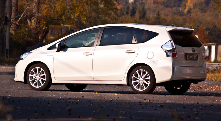 Prius+ 2012-24