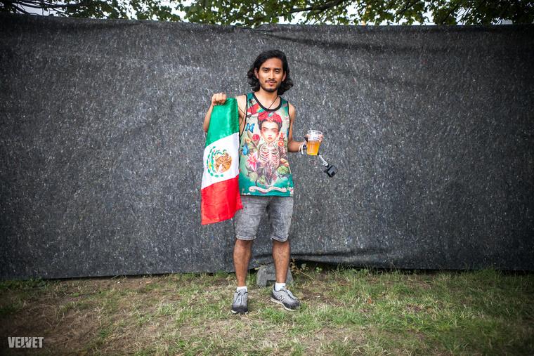 4. A srác és a zászlója
