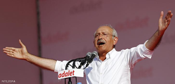 Kemal Kilicdaroglu, a legfőbb török ellenzéki párt, a Köztársasági Néppárt vezetője