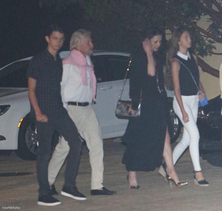 A képek egyébként július 5-én készültek, amikor a család a malibui Nobu étteremből tartott hazafelé