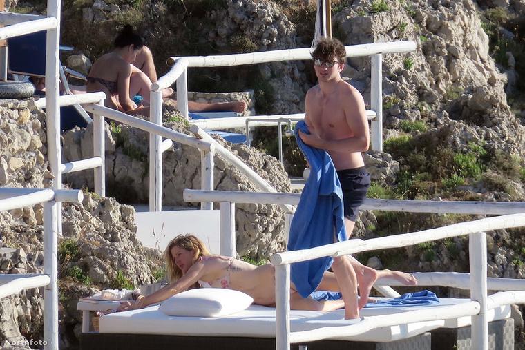 Forróság, napsütés, vízparti romantika - így teltek a Goulding-Jopling páros napjai a nyaralás során