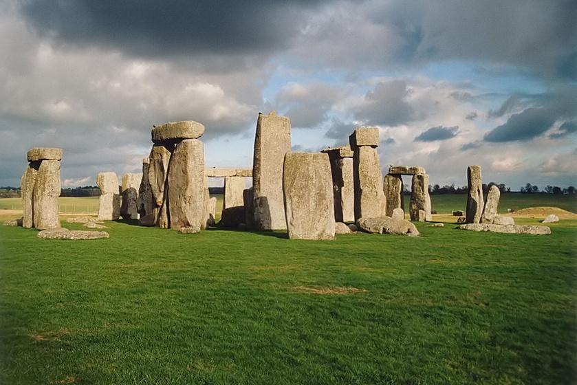 A kutatócsoport a Stonehenge több mint tíz négyzetkilométeres környékét vizsgálta a több éves felmérés során.