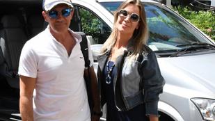 Antonio Banderast és barátnőjét képtelenség kizökkenteni a boldogságból
