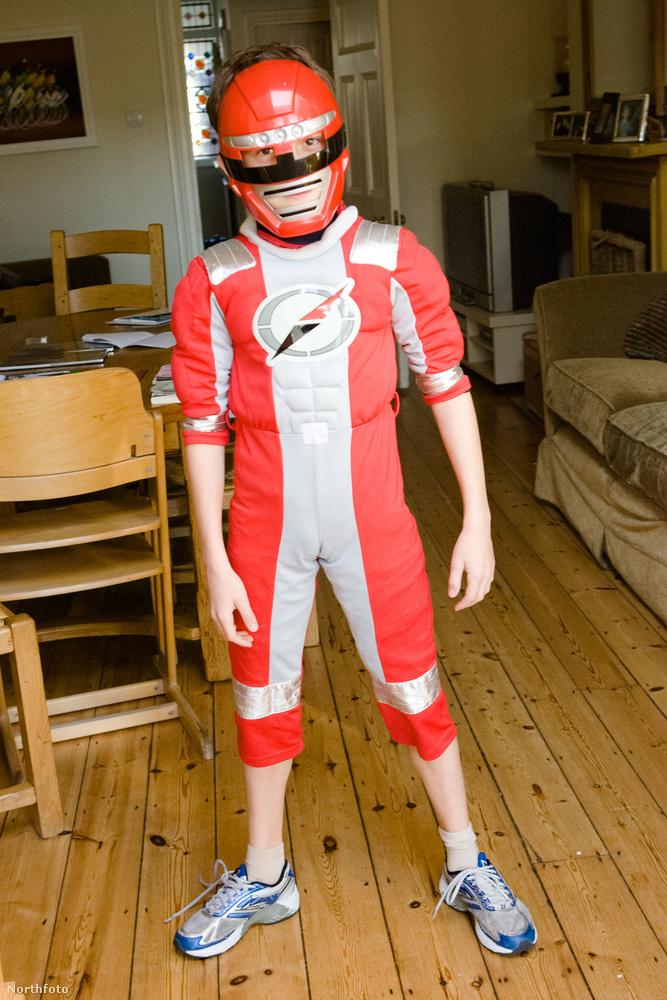 Amint az látszik, már gyerekként is szerette a szuperhősös dolgokat.
