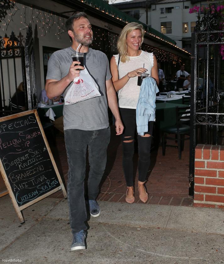 Mostanában naponta szivárognak ki a újabb és újabb információk a kapcsolatukat illetően, így elsősorban az, hogy van, másodsorban pedig, hogy már régen is volt, már akkor, amikor Ben Affleck még Jennifer Garner férje volt