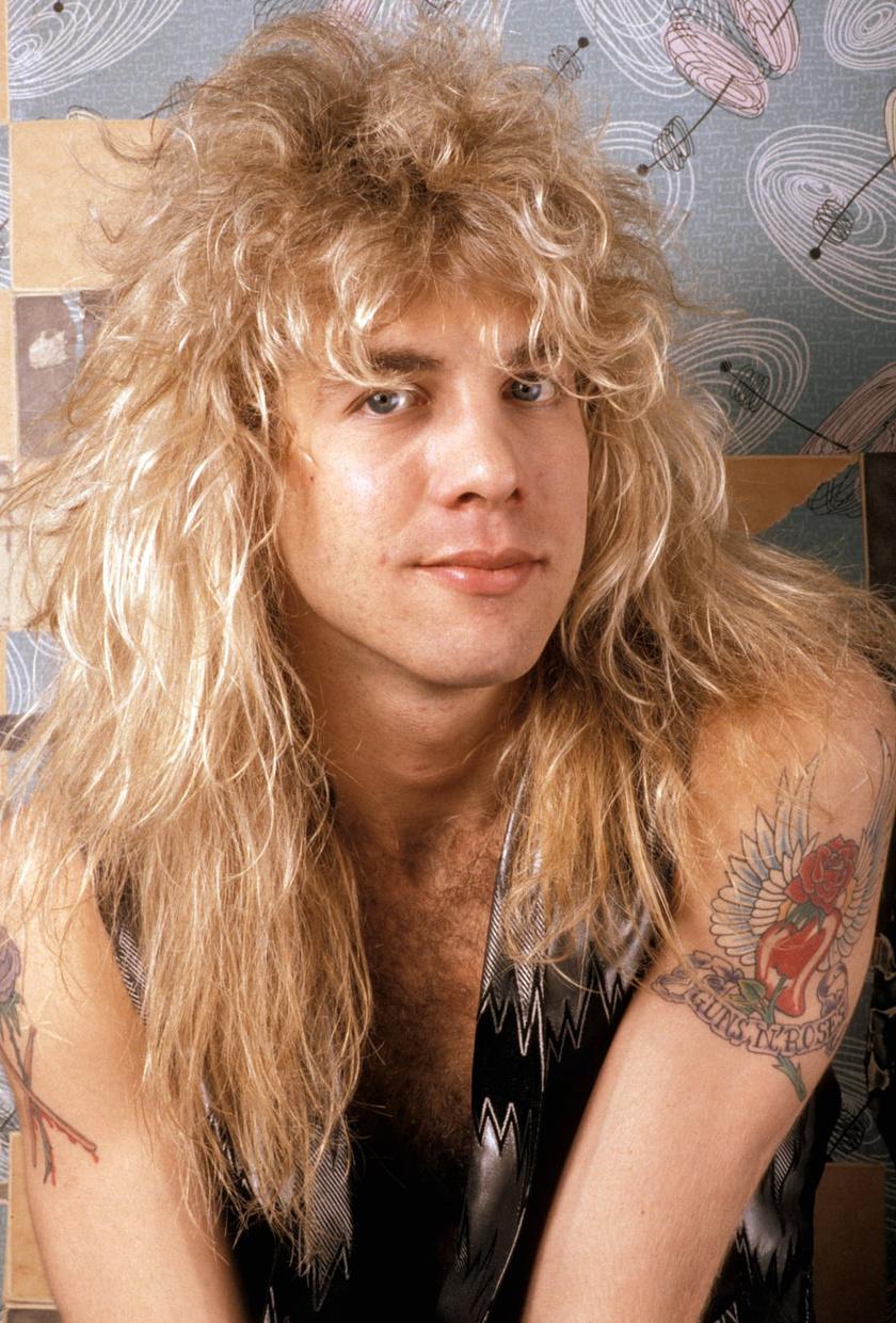 Steven Adler 1985-ben lett a Guns N' Roses dobosa, de öt évvel később kirúgták a bandából, mivel a herointól már zenélni is alig tudott.
