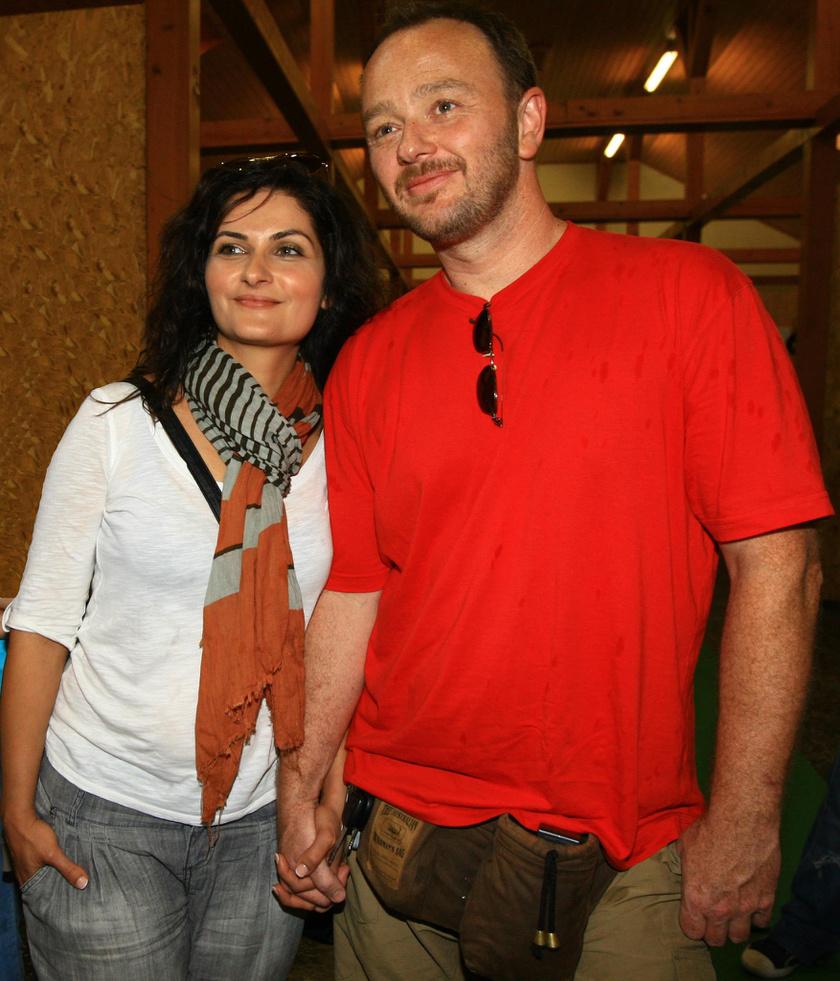 Varga Izabella 22 évvel ezelőtt ismerkedett meg Lendvai Zoltánnal a kecskeméti Katona József Színházban.