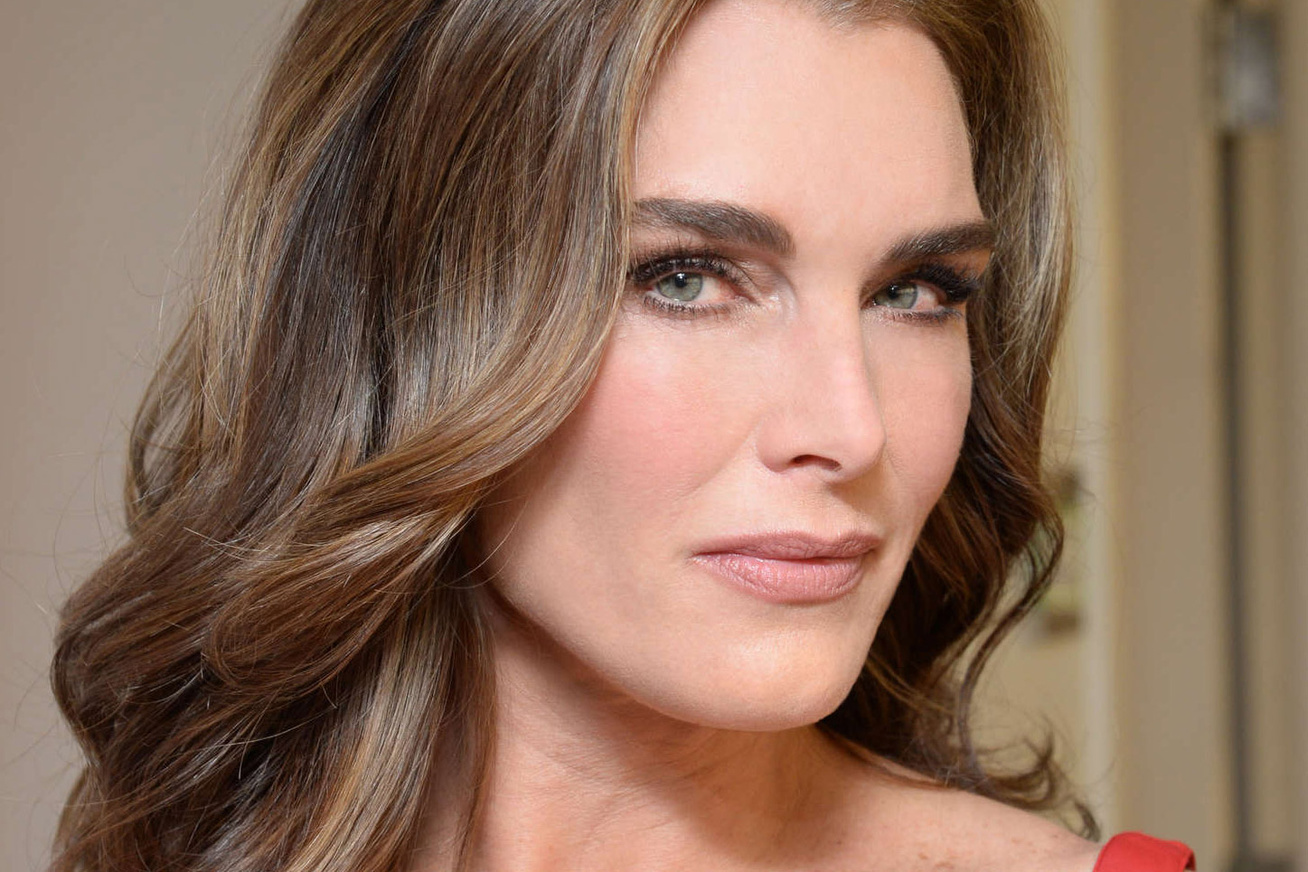 brooke-shields-2017-cover