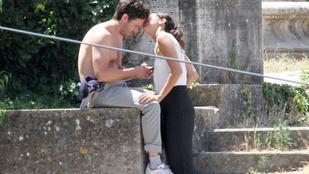 Casey Affleck nagyot romantikázott a barátnőjével