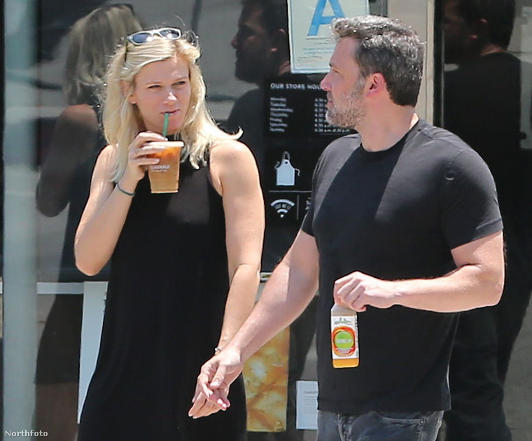 Lindsay Shhokus és Ben Affleck 2017. július 10-én.