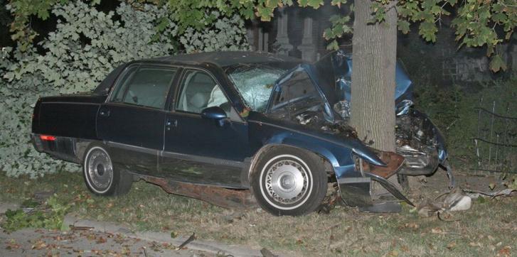 car-crash-tree