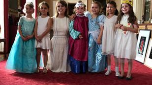Harper Beckham királyi környezetben, hercegnővel ünnepelte hatodik szülinapját